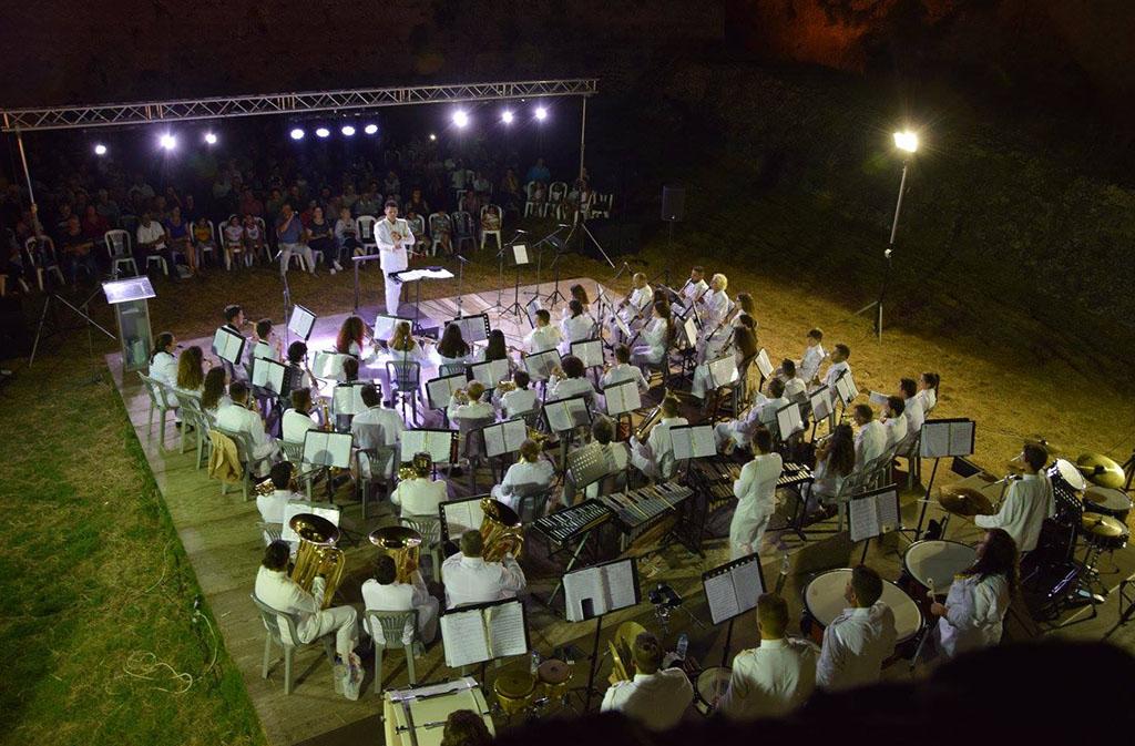 Δημοτική-Φιλαρμονική-Πύλου-Νέστορος-Αρχιμουσικός-Συναυλία-Κάστρο-Μεθώνης